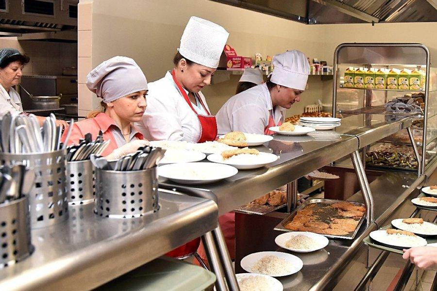 «Артис» поставляет не еду, а помои в школы Пушкинского района СПб